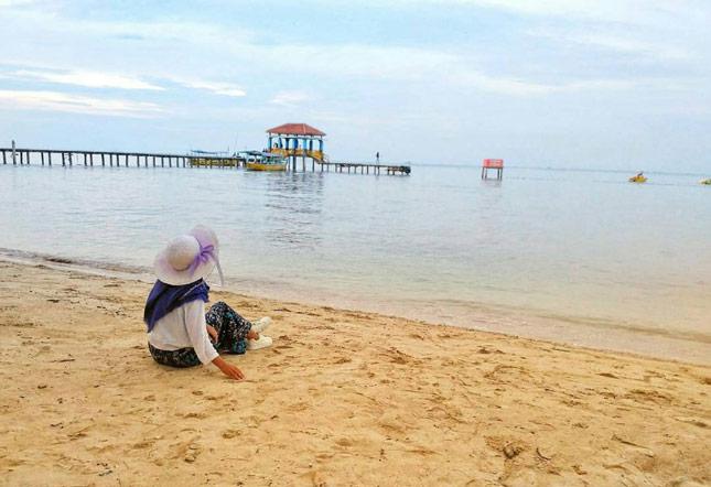 Wisata pantai di Jepara Jawa Tengah