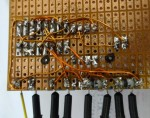 Acculader schakel printplaat FET 1n7000 relais optocoupler achterkant ONJ