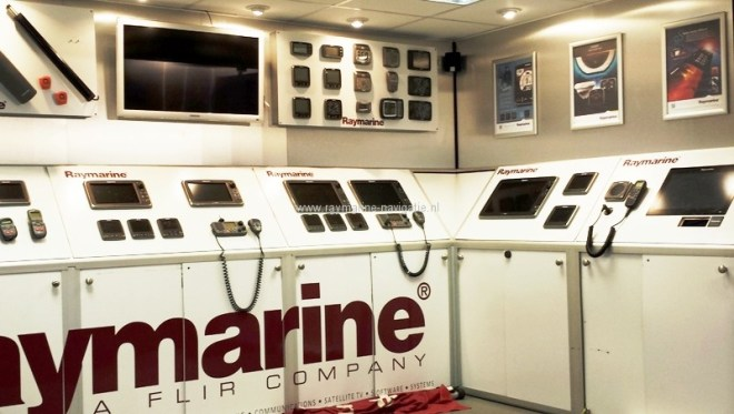 Raymarine op Boot Holland 2014 stand apparatuur