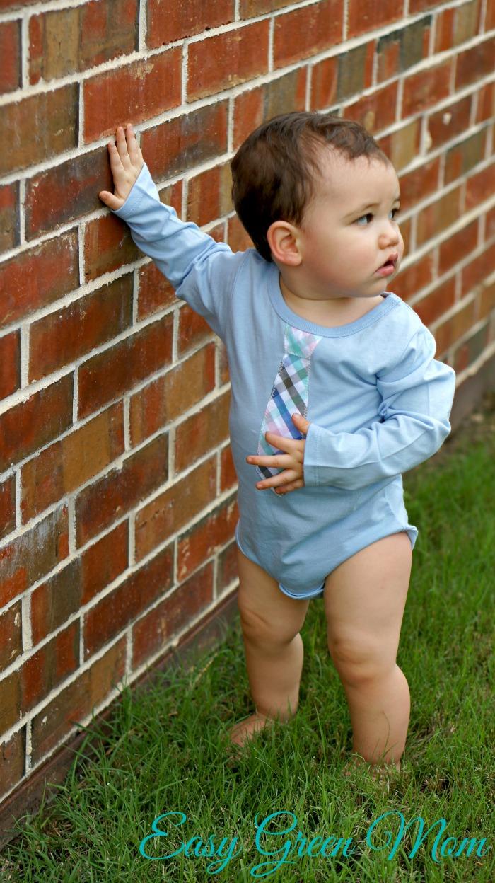 Tommy Hilfiger Baby-Boys Infant Davion Onesie with Tie Appl