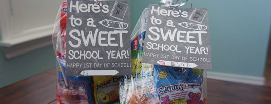 First Day of School Teacher Gift Free Printable ~ Here's to a SWEET School Year!