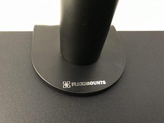 台座には「FLEXIMOUNTS」のロゴ