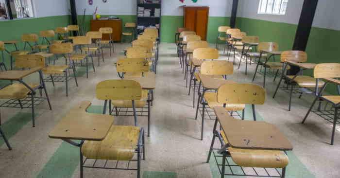 Colegios vacíos pos estudiantes en cuarentena