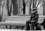 Anciano triste