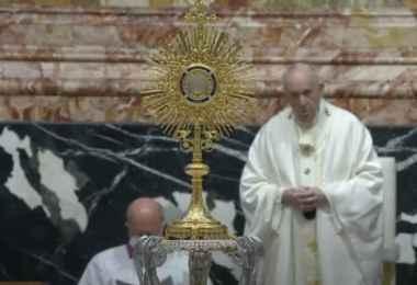papa francisco corpus christi