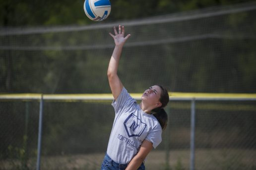 Lilly Luethje serves the ball on Aug. 24, at Kiwanis Park in Brookfield, Ill. (Alex Rogals/Staff Photographer)