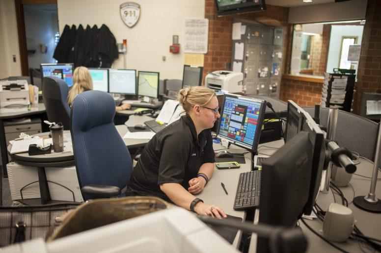 Gina Plastiak working at the North Riverside dispatch center on Friday May 13. | William Camargo/Staff Photographer