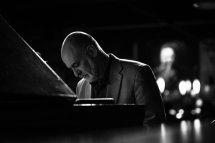 Plymouth Place, 315 N. LaGrange Road in LaGrange Park, presents a concert of jazz favorites by pianist Jeremy Kahn on Thursday, July 5 at 7:15 p.m. in Dole Hall.