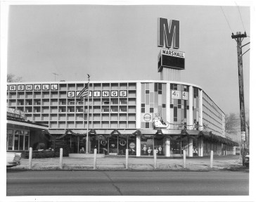 Since 1958, Marshall Savings and Loan had been expanding its footprint at Harlem and Ogden, with bank president Henry Moravec Sr. leading three building campaigns to erect a high-profile headquarters there by 1963. | Photo courtesy of the Liz Faron collection