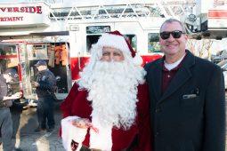 Santa with the mayor of North Riverside, Hubert Hermanek Jr on Saturday morning. | SHANEL ROMAIN/Contributor