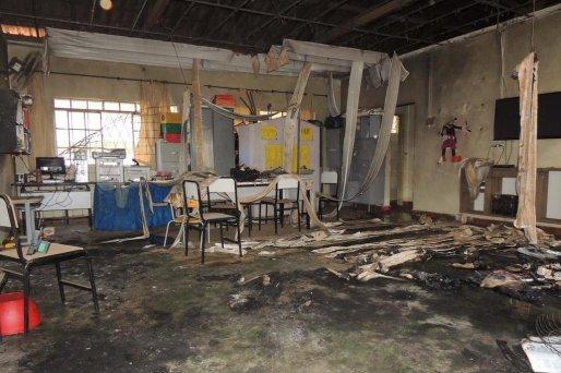 Resultado de imagem para Morre mais uma criança, e vítimas de fogo em creche de MG chegam a dez