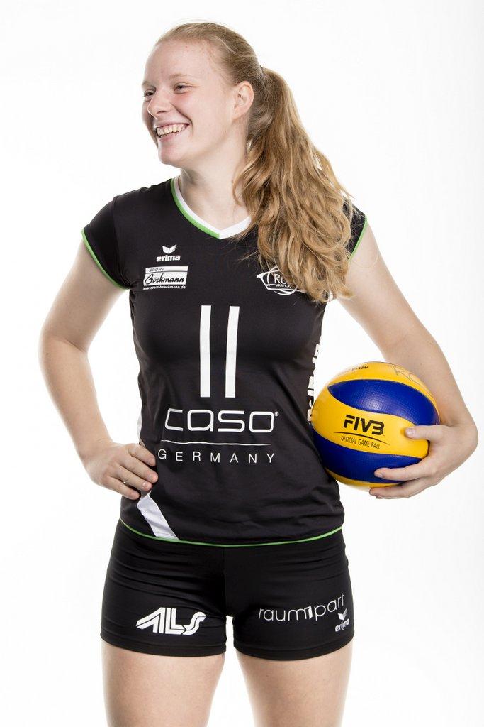#11 – Leonie Hoffmann