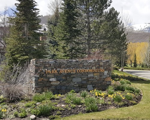 Signboard of Park Avenue Condominiums resort.
