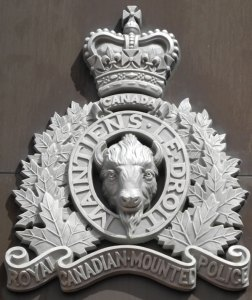 RCMP white crest - Queen Crown