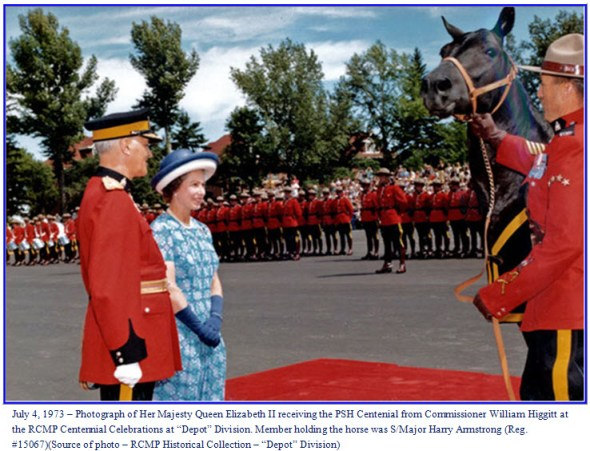 Photograph of Queen Elizabeth II receiving her second RCMP horse in Regina, Sask.