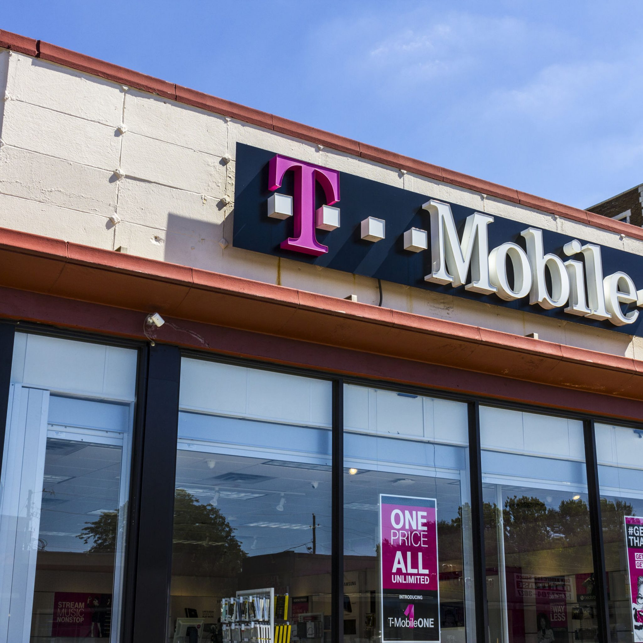 Mobile US notches another strong quarter