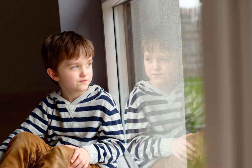 علامات الاكتئاب في مرحلة الطفولة