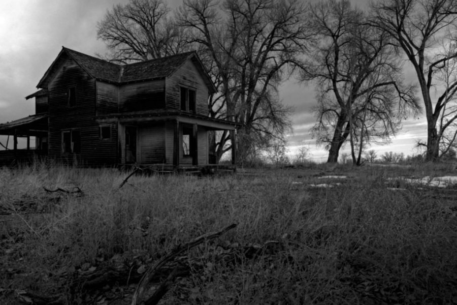 Signs of a Haunted House  from Paranormal Experts   Reader s Digest Mysterious sights and sounds