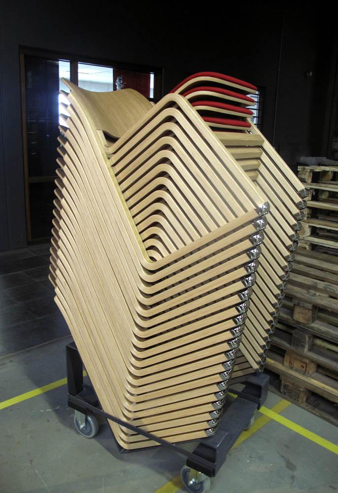 chaise empilable en bois confortables woh