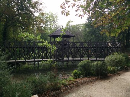 Beautiful gardens and this neat bridge at Da Vinci's house.