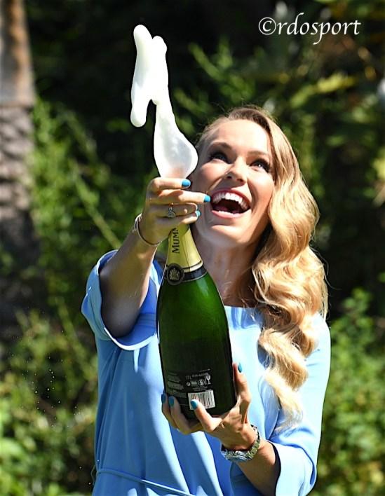 Champagne per festeggiare il successo di CAroline Wozniacki a Melbourne - foto di Roberto Dell'Olivo