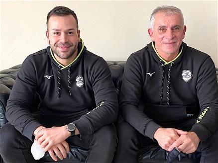 Andrea Vigni, preparatore atletico della pallamano Siena insieme al primo allenatore Branko Dumnic ©rdosport