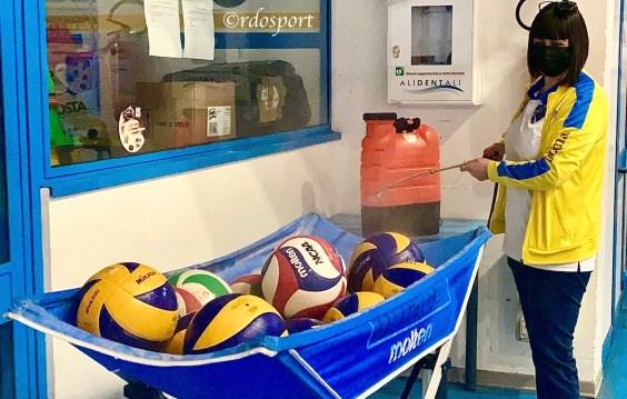 La santificazione dei palloni (©rdosport)