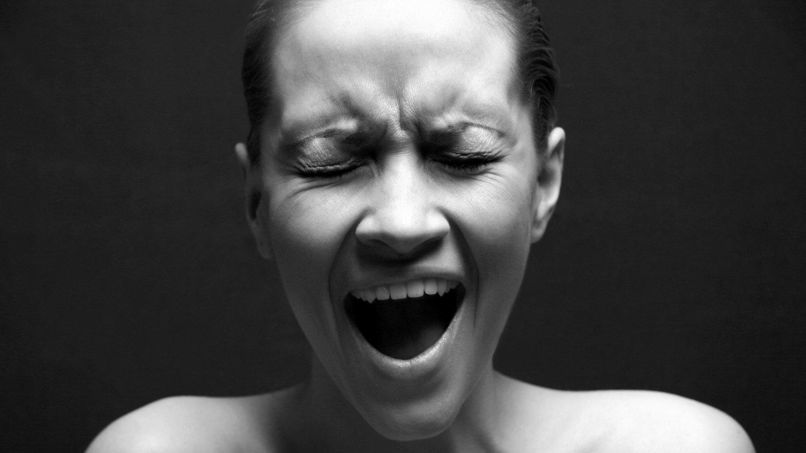 Opfer von Beziehungsgewalt sind oft der Ansicht, dass sie den Verstand verlieren. Dabei werden sie allenfalls um den Verstand gebracht.