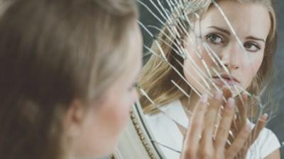 Reflexion der Beziehung hilft, Risse durch Gewalt zu erkennen