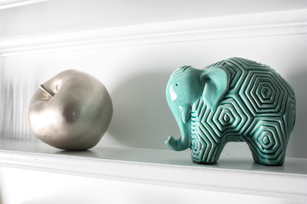 elephant and apple shelving decoration