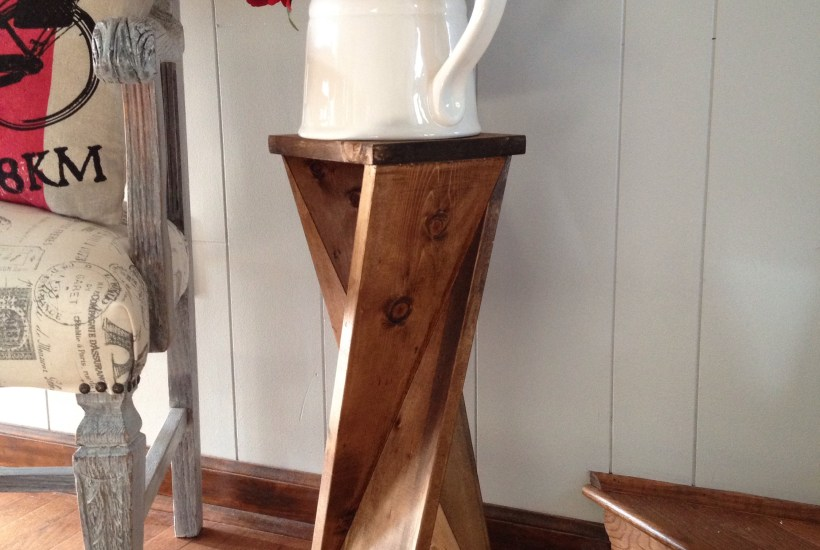 Twisty Side Table- Chasing a Dream Blog