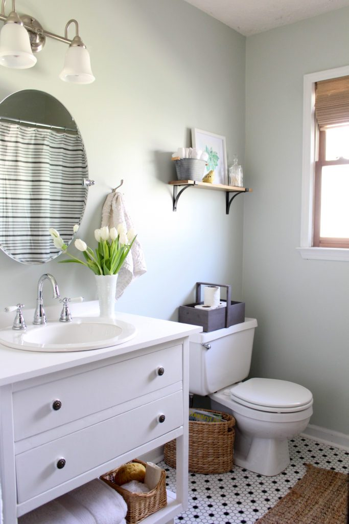 Gorgeous Farmhouse Inspired Bathroom