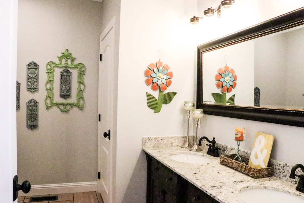 budget bathroom makeover (adding colorful accents) - re-fabbed