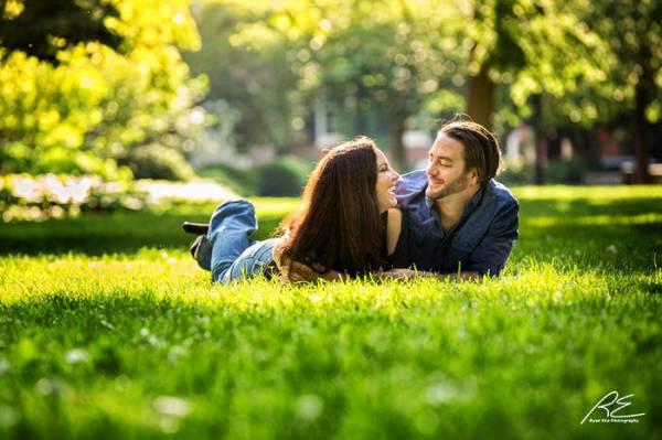 Engagement-photos-washington-square-Phila