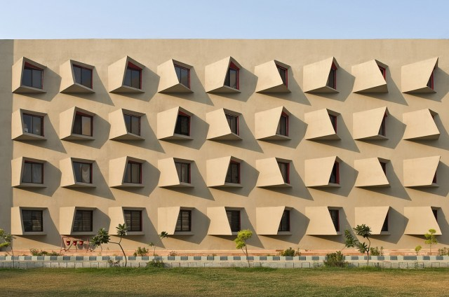 Unique buildings- The Street by Sanjay Puri Architects