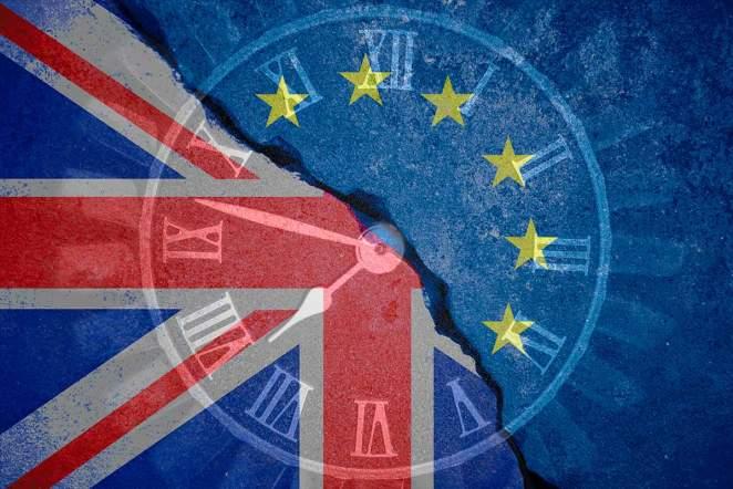 """Según reportes esta noche en el periódico de centro-izquierda de Londres """"The Guardian"""" la retirada del Reino Unido de la Unión Europa podría retrasarse hasta 2021."""