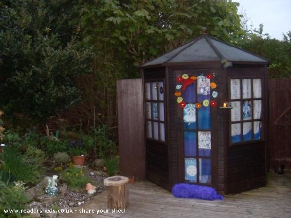 Yoga shed - Marian Turner