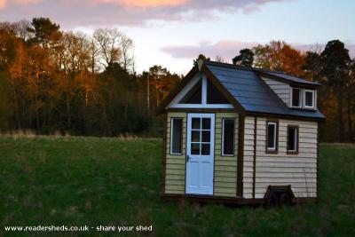 The Derry Tiny House - Mark Burton