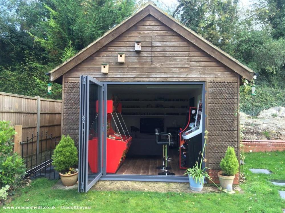 Strachan's Arcade - James Strachan - Garden