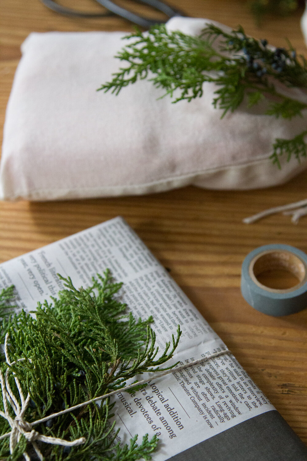recycled_gift_wrap_reading_my_tea_leaves_IMG_1882