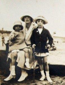 mary-robertson-brid-1927-b