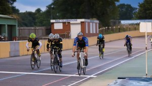 Neil Rutter Wins the Senior A trackcycling 10 lap Scratch