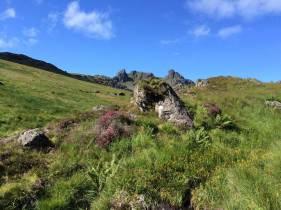 """Der """"Cobbler"""" von unten. Auch wenn die Berge dort als """"schottische Alpen"""" bezeichnet werden, sind sie nur um die 900 Meter hoch. Allerdings dienten sie den ersten britischen Alpinisten vor 150 Jahren als Übungsgelände für die Bergbesteigungen der europäischen Alpen."""