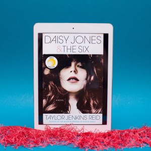 Read Remark book review - Daisy Jones and the Six by Taylor Jenkins Reid