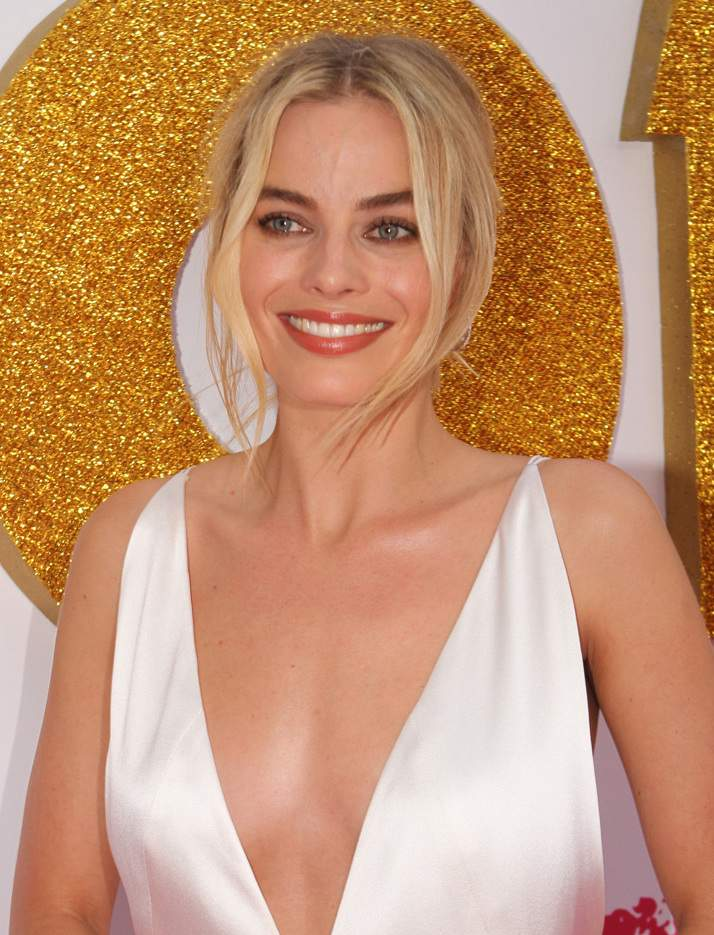 10 Things About Margot Robbie