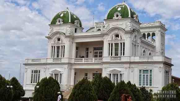 Jeden z pałaców w Cienfuegos - Kuba