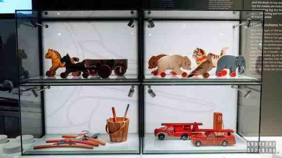 Dawne zabawki w Lego House - Billund, Dania