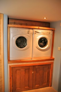 Utility room with washing machine and tumble dryer - Utility room with washing machine and tumble dryer