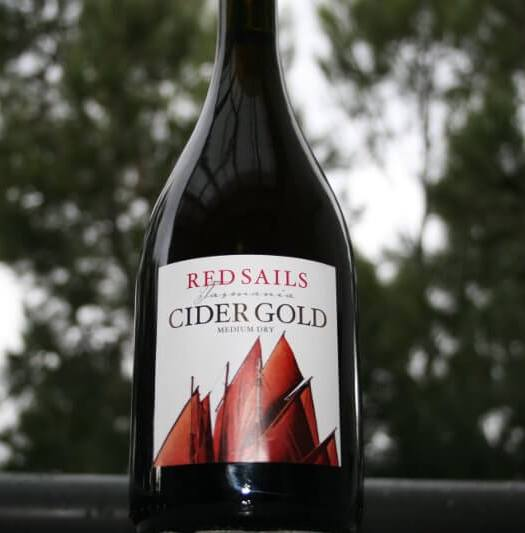 Red Sails Medium Dry Gold Cider