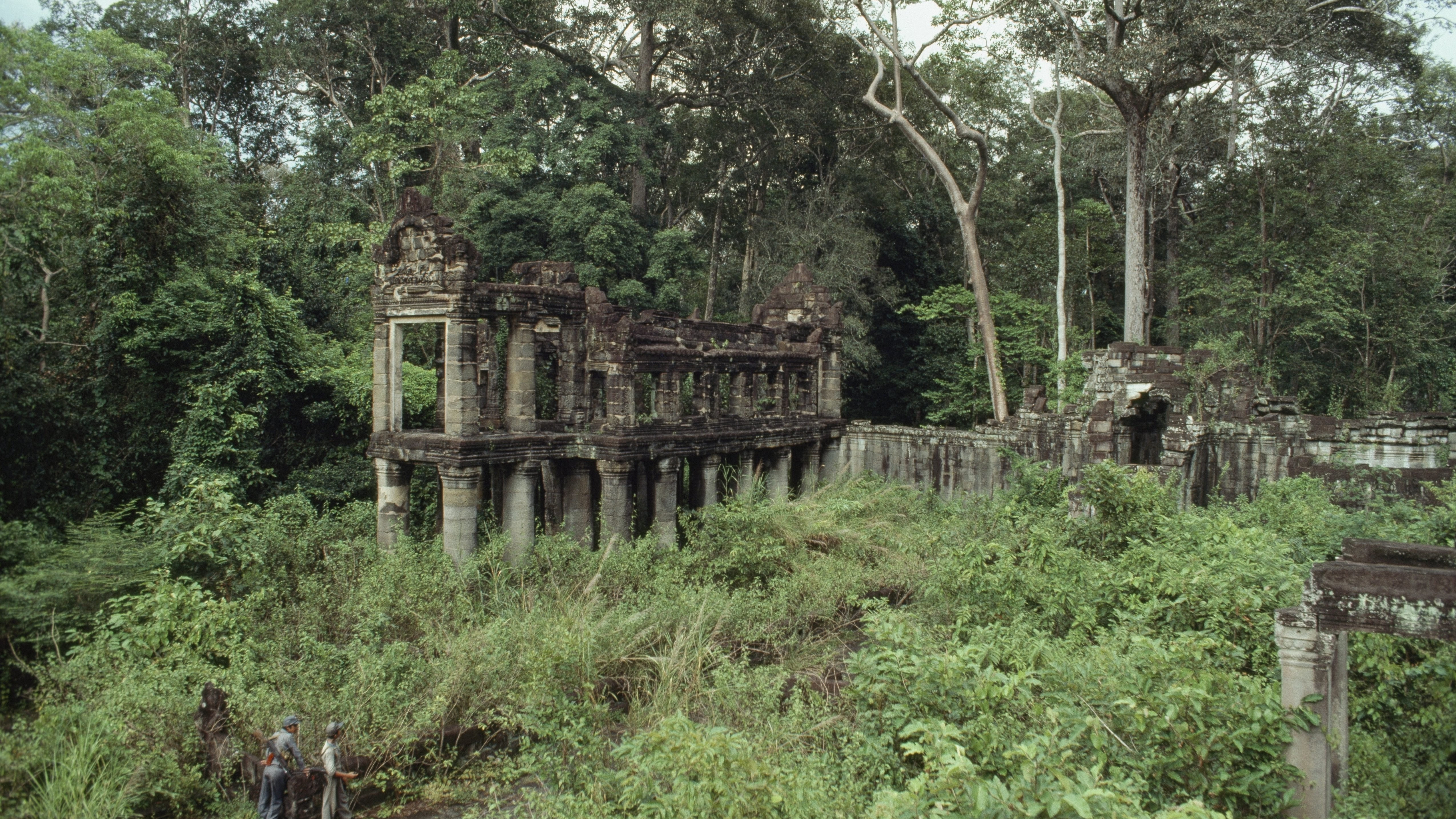 Archaeologists Uncover Lost Kingdom In Cambodian Jungle